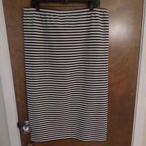 Lafayette 148 straight skirt black/white stripes
